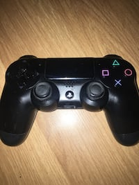 Playstation 4 Controller  Whitby, L1R 2N5