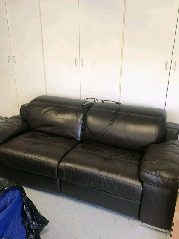 Z Gallerie 2 Upscl Electrical Reclining Sofas