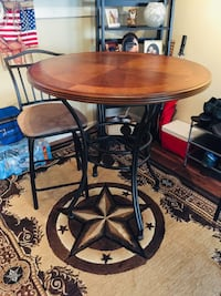 Wooden Bar Table with 2 swivel bar stools Jacksonville, 32257