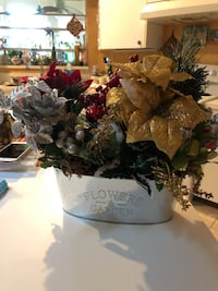 Handmade Christmas floral arrangement  West Melbourne, 32904