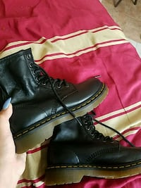 black leather lace-up boots National City, 91950