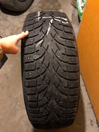 Set of Toyo Winter Tires Size 215/65/16 London, N5Z