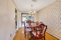 Antique dining room table and chairs- in perfect condition  Peabody, 01960
