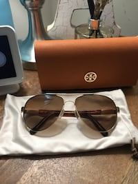 Tory Burch sunglasses Silver Spring, 20903
