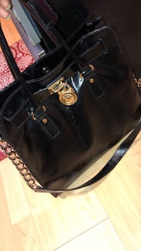Authentic Michael Kors bag/Tote Schenectady, 12302