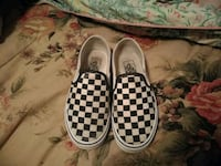 Size 6.5 in woman slip on checker board vans Temple Hills, 20748