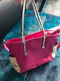 Fuschia Pink leather purse large negotiable Surrey, V3V 5A7