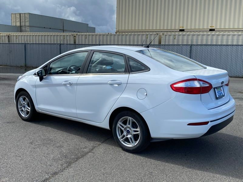 2018 Ford Fiesta SE sedan Oxford White !!! 056a2f59-0bec-4e71-a6bd-364ab6fd68ef