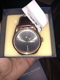 Round watch with brown strap with box Coppell, 75019