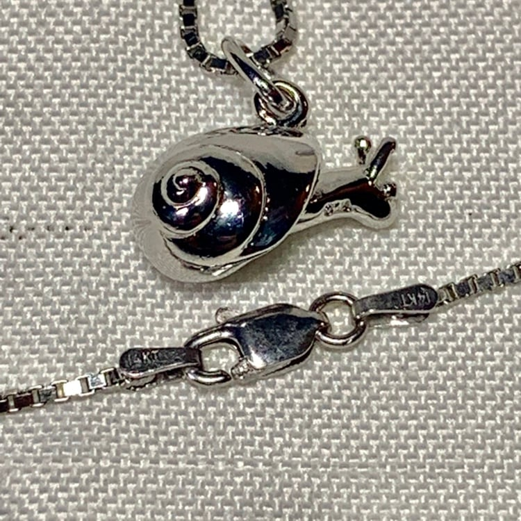 Genuine Sterling Silver Snail Pendant with Sterling Box Chain 672c4b73-af43-4f7c-8ec4-553d91aa67d1