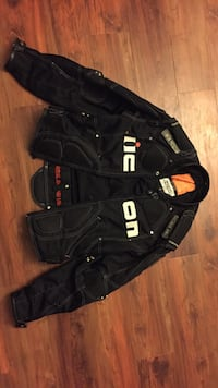 Black Icon Tmax Large motorcycle zip-up jacket Squamish, V8B 0H9