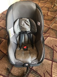 baby's gray and black car seat carrier 7 km