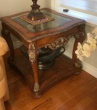 Beautiful wooden side table  North Vancouver, V7L