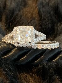 2.01 CT Cushion Brilliant Diamond Engagement Ring - Absolutely beautiful! $8550  This Diamond is very clean to eye and has a lot of sparkle!!   Cut : Cushion Brilliant Measurements: 7.41-6.59 x 4.91 MM Carat weight: 2.01 CT Clarity Grade: SI1 Color Grade: Haymarket, 20169