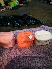 Small travel bags Louisville, 40272