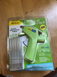 New glue gun with glue sticks Brampton, L6W 1A1