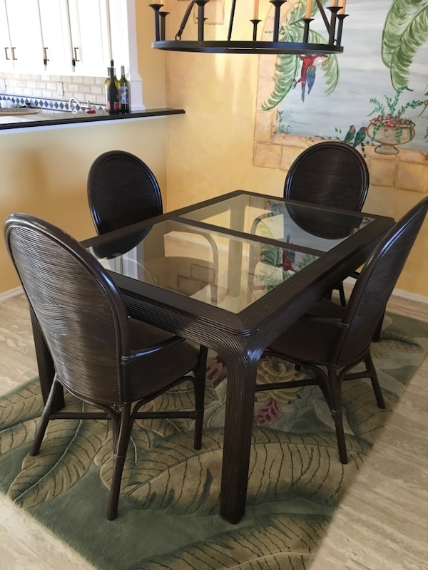 Dining Table No Insert Gl Top 4 Chairs With Arms 200 00 Firm