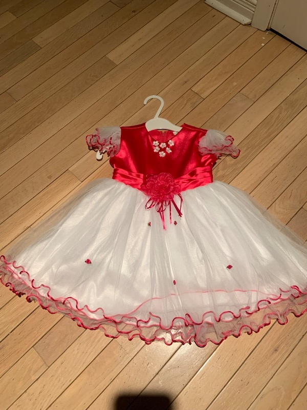 Girls size 2 fully lined dress...New