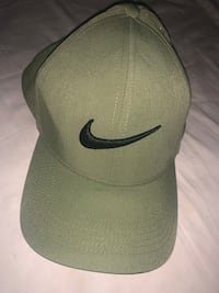 Navy green Nike golf hat Essex, 21221