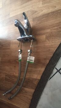 "Stainless steel 16"" faucet + supply line - negotia Toronto, M6S"