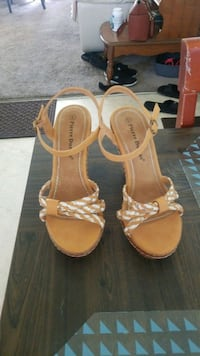 pair of brown leather open-toe heels West Palm Beach, 33406