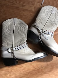 pair of white leather cowboy boots London, N6E 1J3