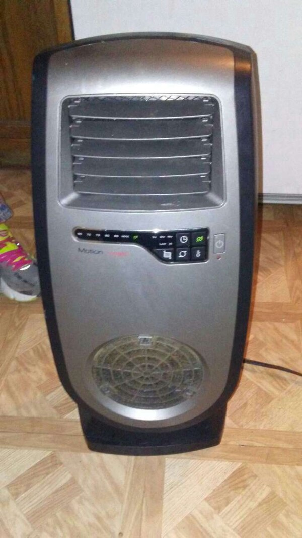 Used Lasko Motion Heat Plus Whole Room Ceramic Heater For Sale In