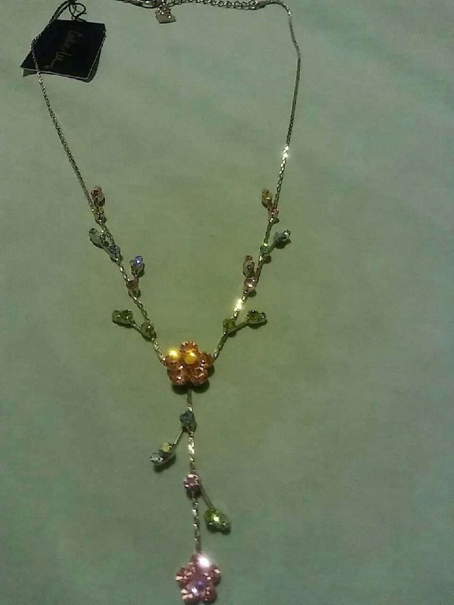 amethyst and emerald stud pendant necklace