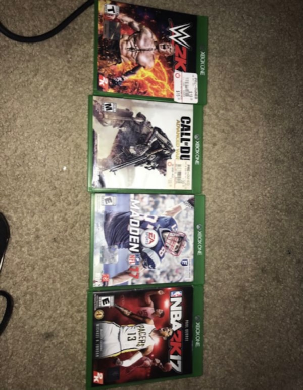 Xbox one 2 controllers and game