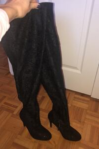 Knee high black boots size 7 Toronto, M6H 3Z7