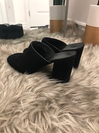 Urban outfitters mules Pickering, L1X 0E5