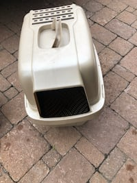 White and black litter box  Dorval, H4Y 1Y9