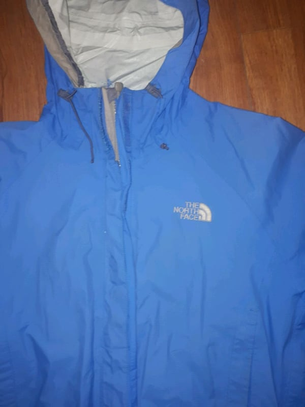 North Face Womens Windbreaker size M 1
