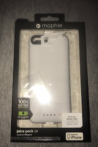 iPhone 5 & 5s white mophie charging case London, N6B 0J2