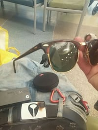 Selling my Ray bans 14k gold implated  Calgary, T2R 0Y6