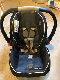 Graco snug ride car seat with base