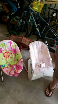 baby's pink and white bouncer Summerfield, 34491