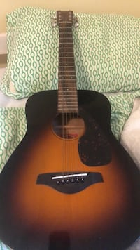 Yamaha 3/4 sized guitar