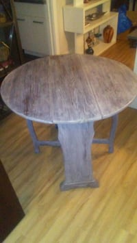 Antique drop leaf table Calgary, T2K 5W9