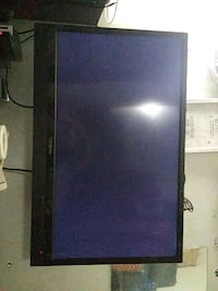 32 inch flat screen with leveling wallmount