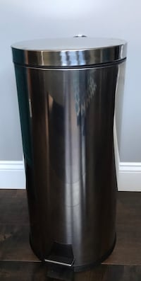 Stainless Steel 13 gal Trash Can Wentzville, 63385