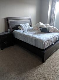 Queen bed wooden with side table like new