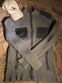 Calvin Klein Sweater + Hat Bundle  Saint Paul, 55119