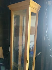 brown wooden framed glass display cabinet Youngstown, 44502