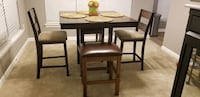 Square wooden table with four chairs dining set Herndon, 20171