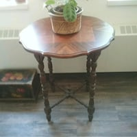 Beautiful small antique table,  Peterborough, K9J 4Y9