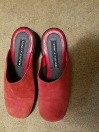 pair of red Tommy Hilfiger suede slide-on clogs Dublin, 43017