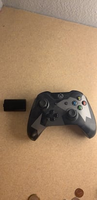 Xbox controller w/ rechargable battery Helotes, 78023