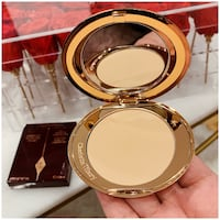 PRICE IS FIRM, PICKUP ONLY - Charlotte Tilbury AIRBRUSH FLAWLESS FINISH 2 MEDIUM Toronto, M4B 2T2
