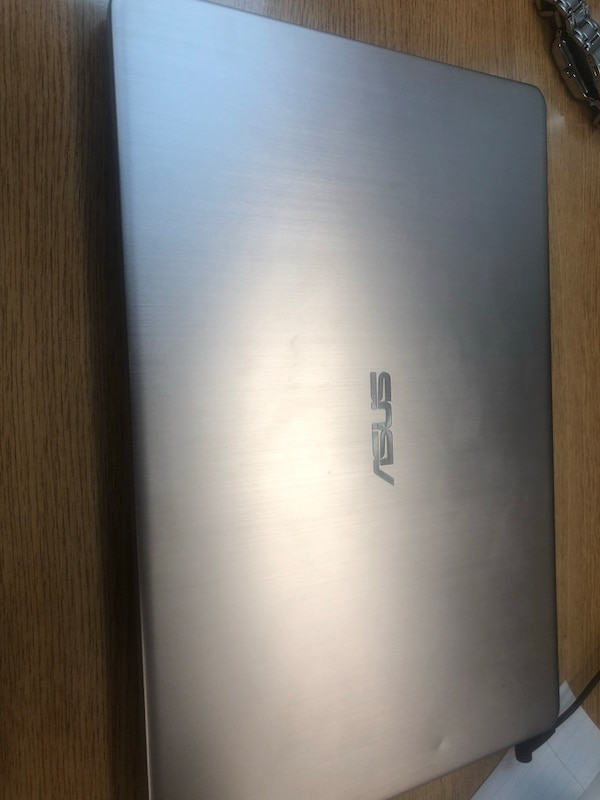 Asus vivobook w/ graphics card